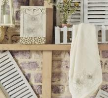 """Полотенце махровое в коробке """"IRYA"""" c вышивкой PEARLY (50x90) см 1/1"""