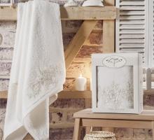 """Полотенце махровое в коробке """"IRYA"""" c вышивкой ACTUEL  (85x150) см 1/1 Mолочный"""